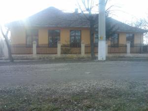 Óteleki iskola